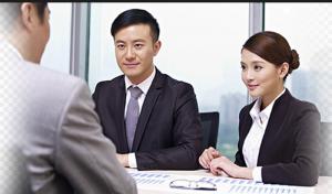 Trở thành thông dịch viên làm việc cho các công ty nước ngoài hay tổ chức quốc tế